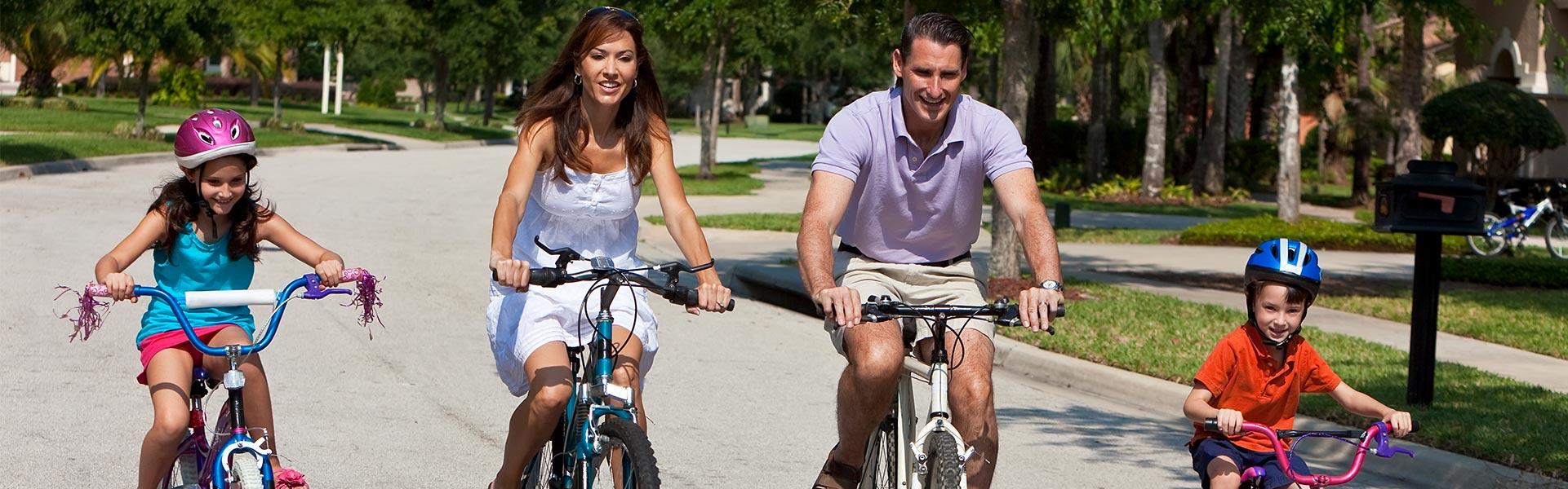 Family biking in Jacksonville
